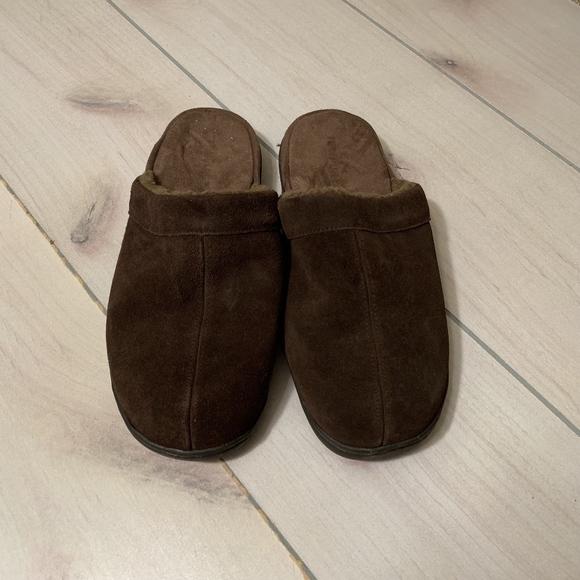 SOLD 11 tempur pedic slipper house shoe brown